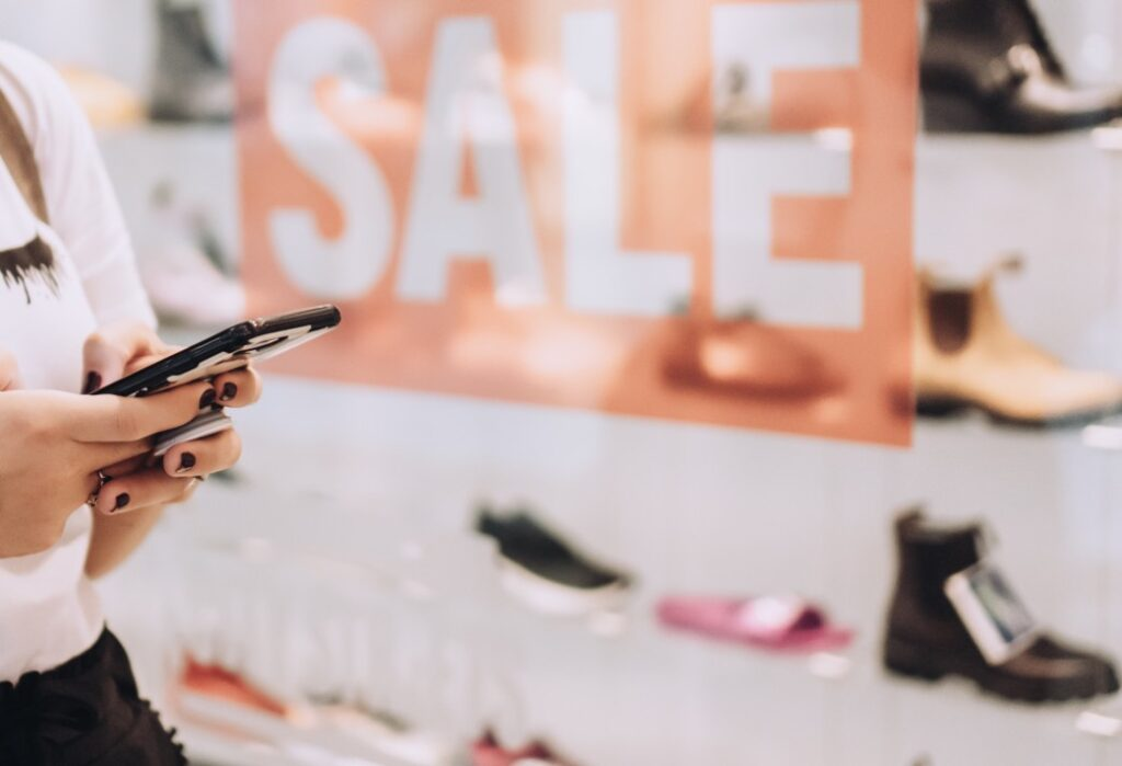 Alt-text Retail stores need sales staff able to handle stressful environments during sales and discounts, a sales associate job description needed to be reflected on the resume
